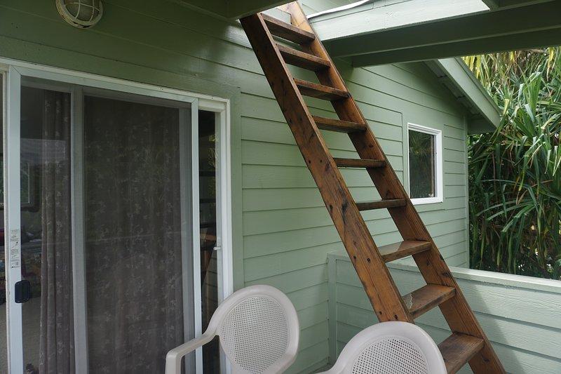 escaleras a la cubierta del techo