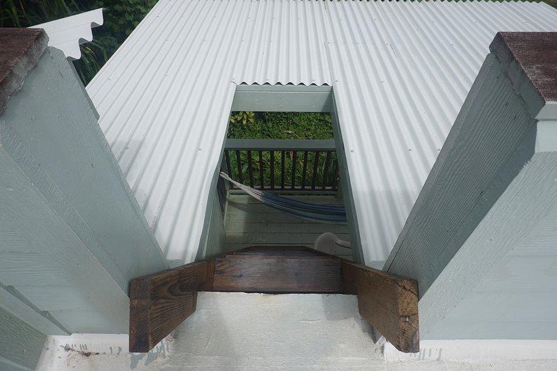 Habida cuenta de las escaleras de la cubierta del techo