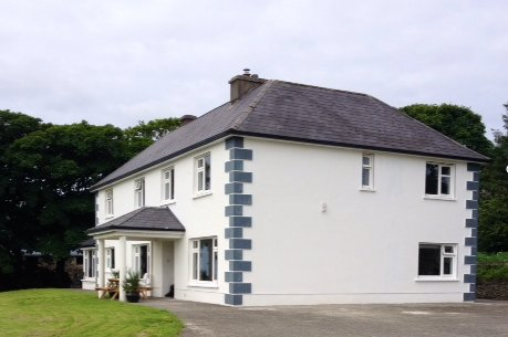 Murphys farmhouse on a mixed working farm, holiday rental in Ventry