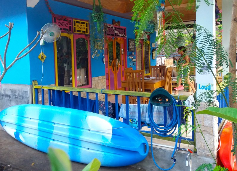 ROOM 4 RENT N. 3 Shared House AC FAN WIFI KITCHEN, holiday rental in Gili Air