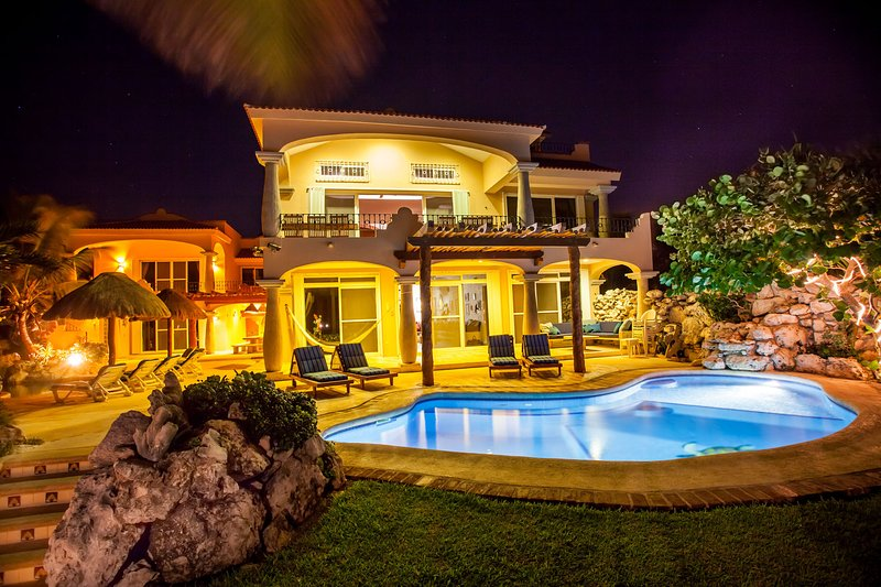 villa Brisa Caribe with 2 private oceanfront pools