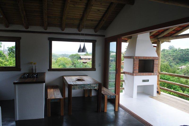 Casa da Arvore Na Praia, holiday rental in Barra de Ibiraquera