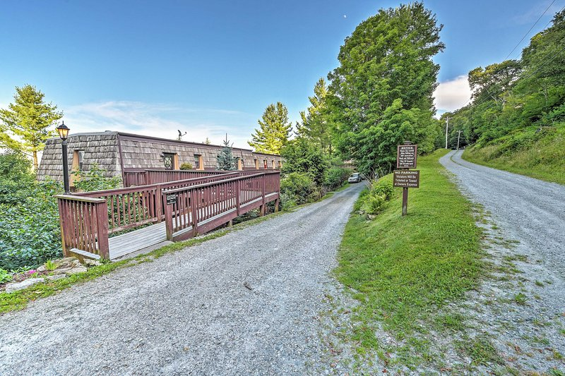 Book this Beech Mountain abode for an unforgettable vacation!