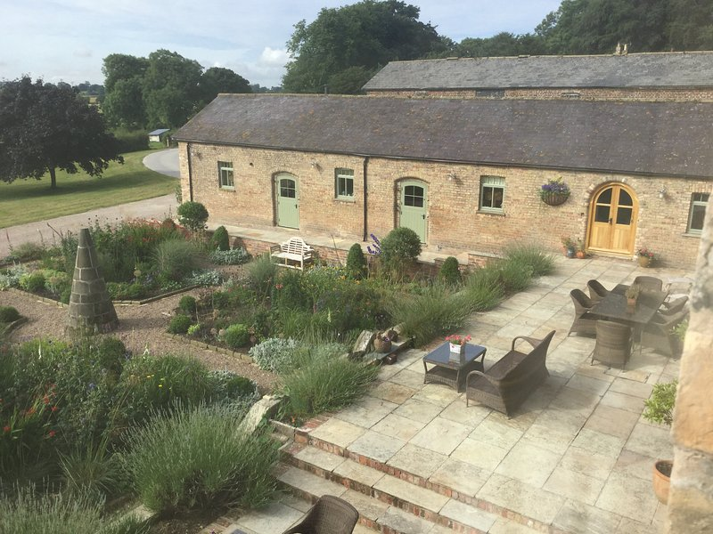 Exclusive location with amazing views across the wolds