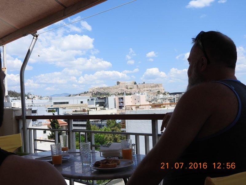 Athens Acropolis Panoramic Apt, holiday rental in Dafni