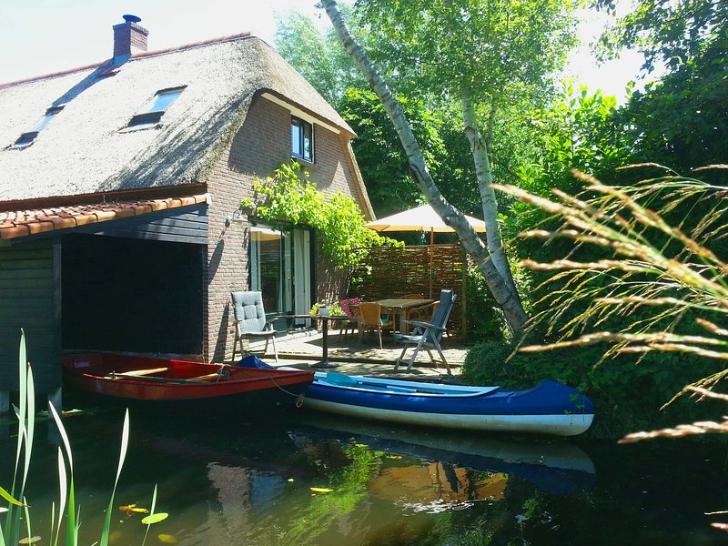 Giethoorn Lodge terrace