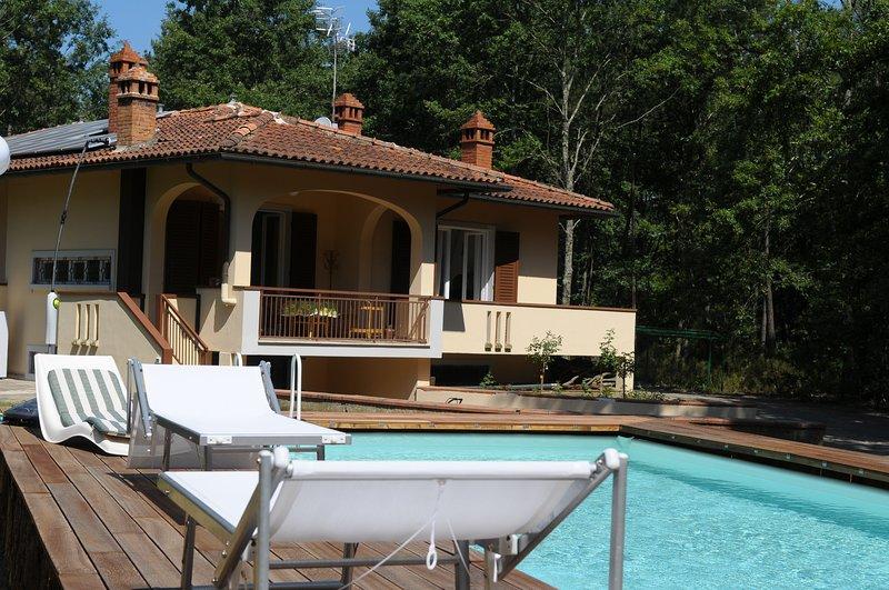 casa vacanza, la casa nel bosco, con piscina, holiday rental in Alberoro