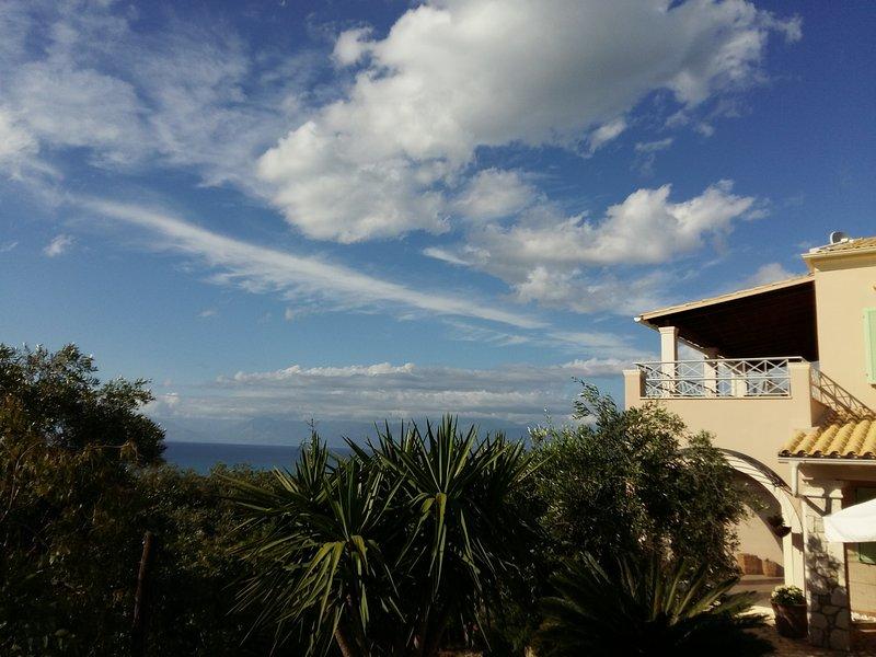 Wohnung Flora mit traumhaftem Meerblick, location de vacances à Acharavi