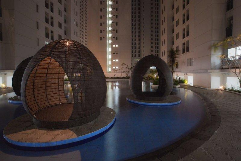 swimming pool Bassura City