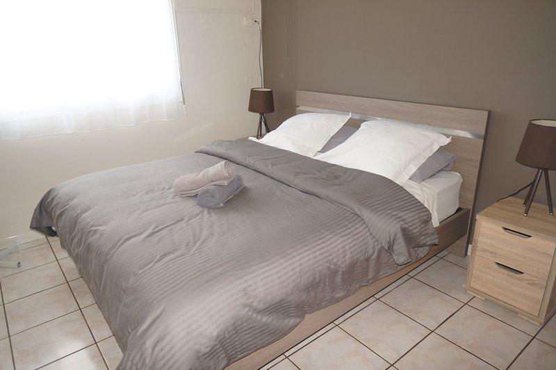 room 1 säng 160 x 200