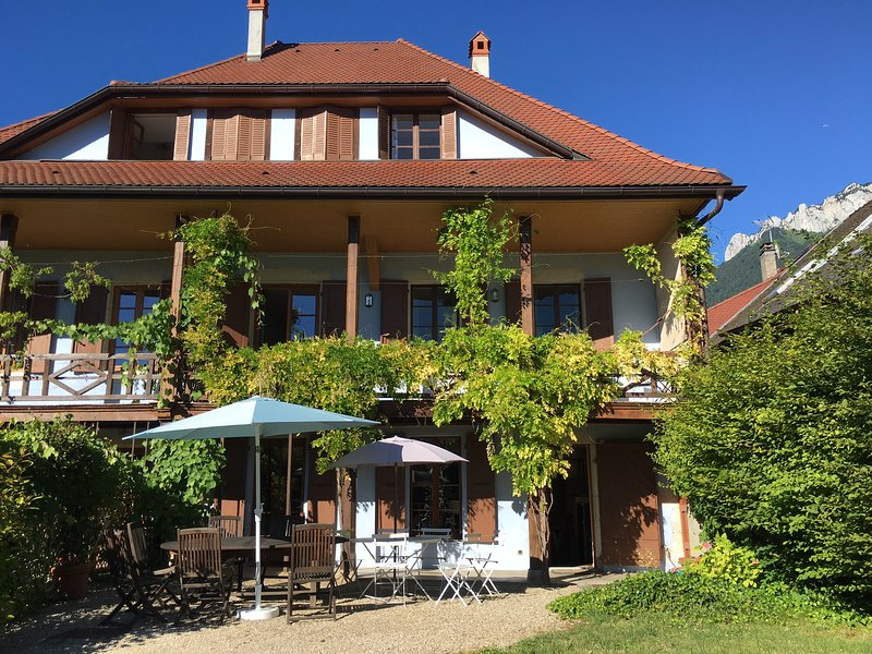 MENTHON-ST-BERNARD, Spacieuse maison, 12pers, holiday rental in Alex