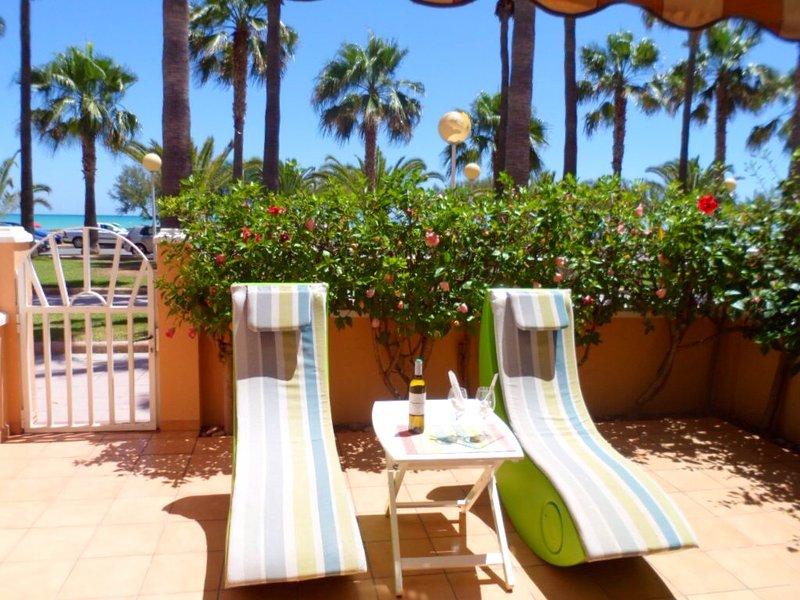 Luxury 'House Marlin'  en Primera  Linea de  playa, aluguéis de temporada em Almenara