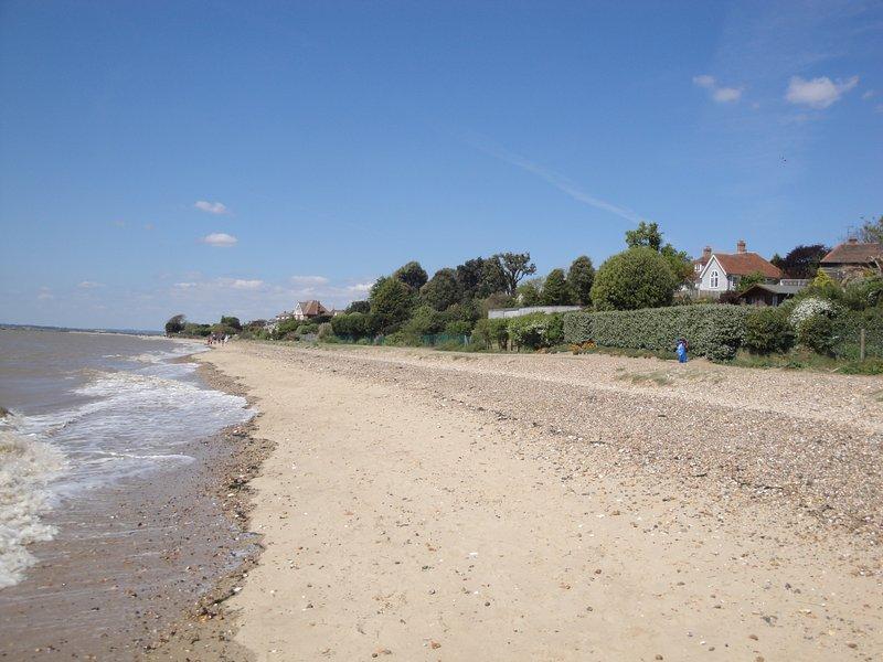 Fawkes Perch, modern accomodation near the beach, location de vacances à Mersea Island