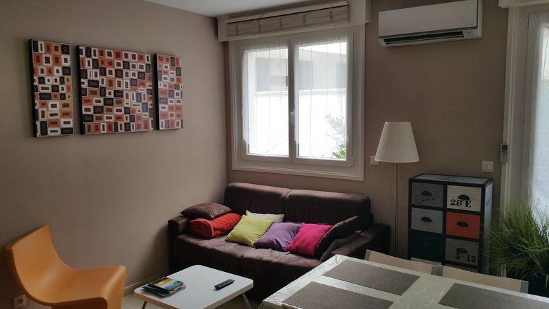 CHITA T2*** 36M2-50M PLAGE-PARKING-WIFI+VELOS, holiday rental in Hendaye