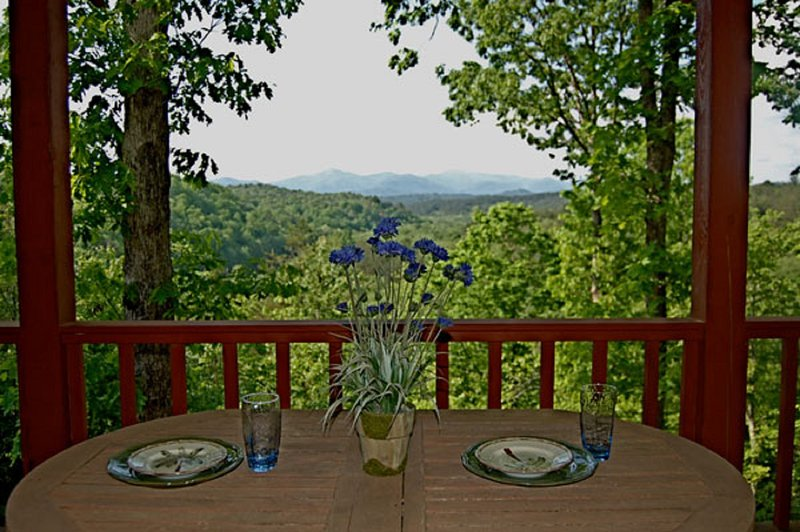 Minutes to Ocoee river whitewater rafting and convenient to Blue Ridge GA