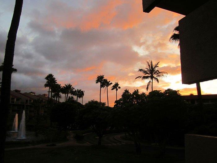 Un autre beau coucher de soleil vu depuis notre lanai condo
