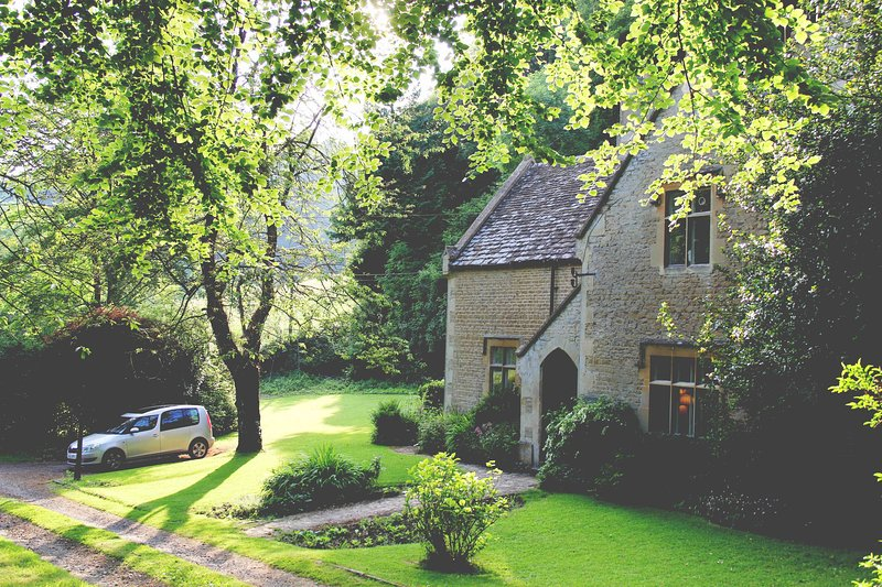 Woodwells, secluded Cotswold home, location de vacances à Hillesley
