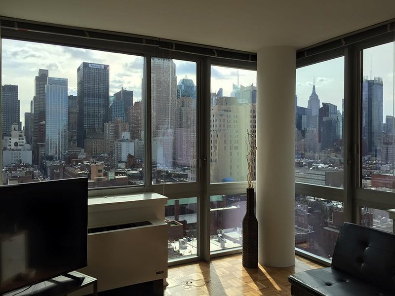 1br apt awesome view near times sq has terrace and patio