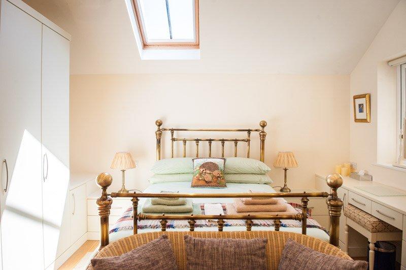 bellotas dormitorios con armarios empotrados y cuarto de baño privado