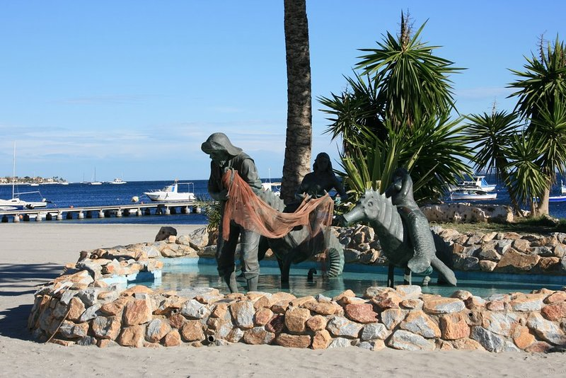 Monument to fisherman
