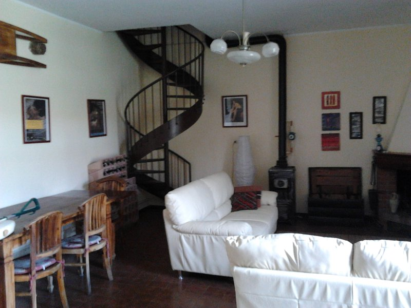 Spiral staircase to the upper floor