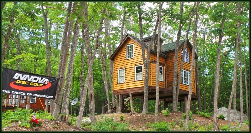 The Grand Oak Treehouse