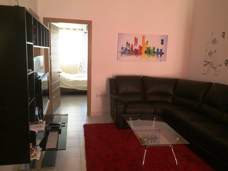 Modern Apartment close to Public Transport and Sea, aluguéis de temporada em Il Gzira