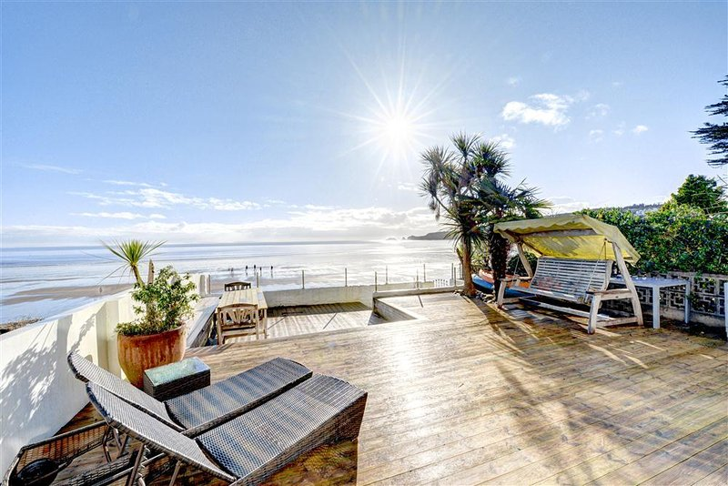 Beachways House decking