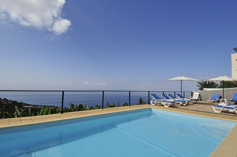 Private pool - 9m x 4m