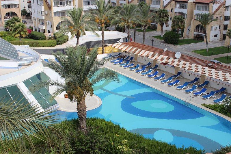 Patara City, Luxury Private Complex, location de vacances à Kyrenia