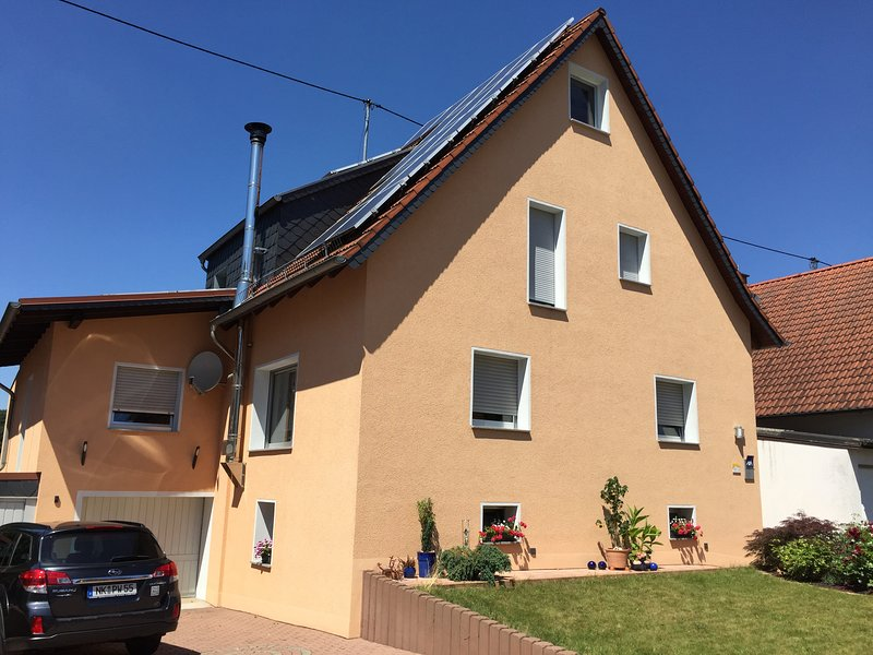 Moderne, renovierte Ferienwohnung in ruhiger Lage, holiday rental in Mandelbachtal