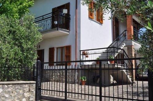 Casa Vacanze 2 camere 4 posti letto a Montoro, vacation rental in San Liberato