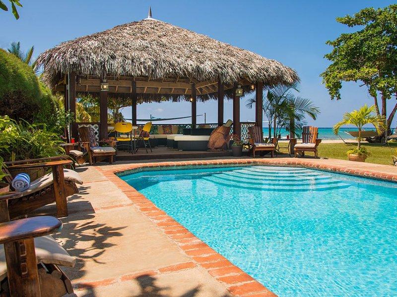 Sleepy Shallows - Rio Bueno 4 Bedroom Beachfront, vacation rental in Discovery Bay