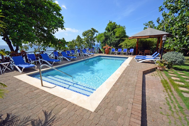 Idleawile - Rio Bueno 6 Bedrooms - ask about our 3, 4 and 5 Bdrm rates, vacation rental in Discovery Bay