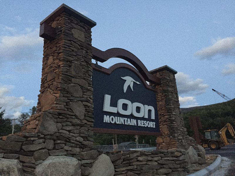 Our townhouse is located across the street from Loon Mountain and connected to the Loon Shuttle.