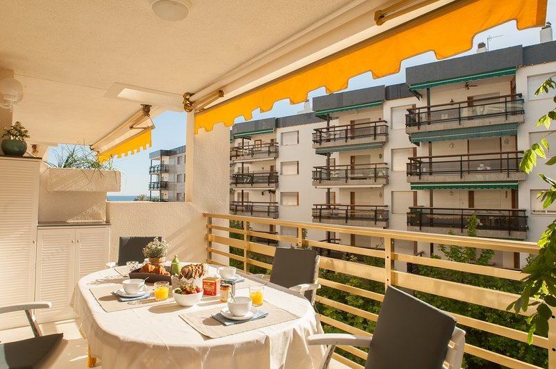 L'Eixideta Apartment - High standard accommodations - Family friendly, vacation rental in Salou