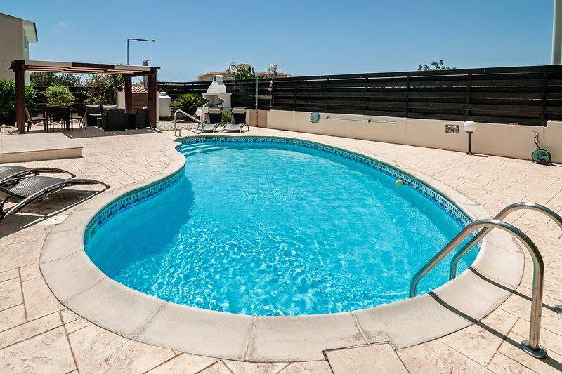 8x4 kidney pool