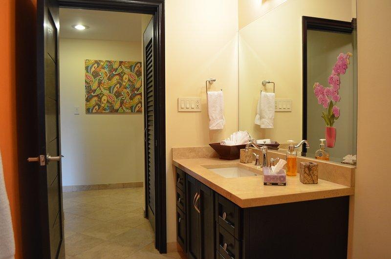 Guest & Hallway Bathroom.