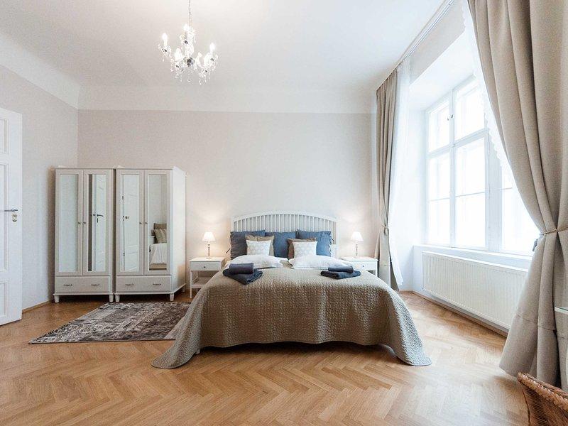 El dormitorio principal, cama king size, 2 armarios