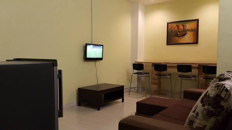 HOMESTAY PREMIER INDAH KEMBARA APARTMENT & HOSTEL, vacation rental in Ayer Keroh