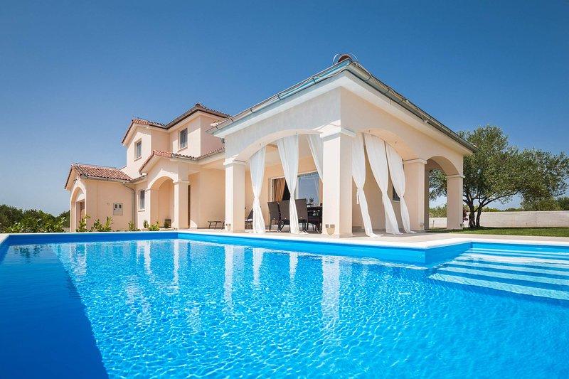 Villa Sunset Lady, vacation rental in Sibenik
