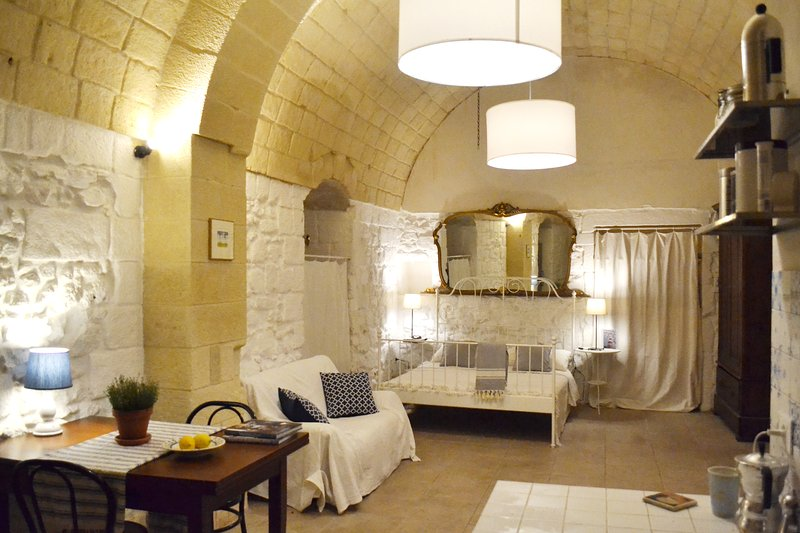 Salento Guesthouse Bed and Breakfast Suite 3, casa vacanza a Carpignano Salentino