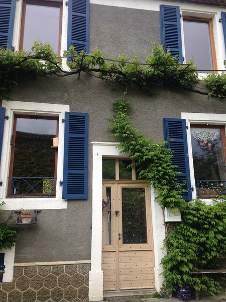 Καλαίσθητο Σπίτι σε όμορφο χωριό στο Lot, κοντά στο Cahors