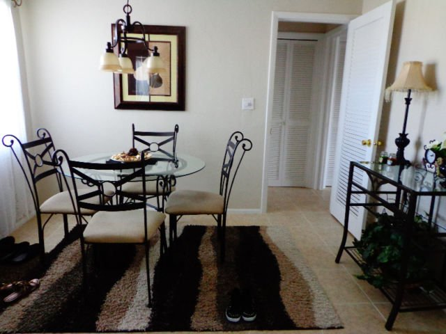 CONDO FOR RENT IN FLORIDA, aluguéis de temporada em Lauderhill