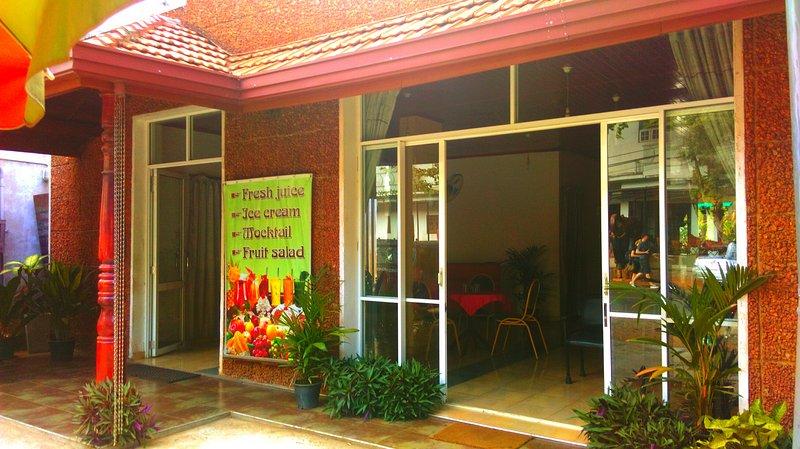 Hotel Elephant Lobby Pinnawala, holiday rental in Ambepussa