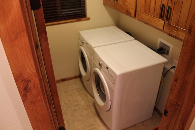 WASHER AND DRYER INCLUDES DETERGENT