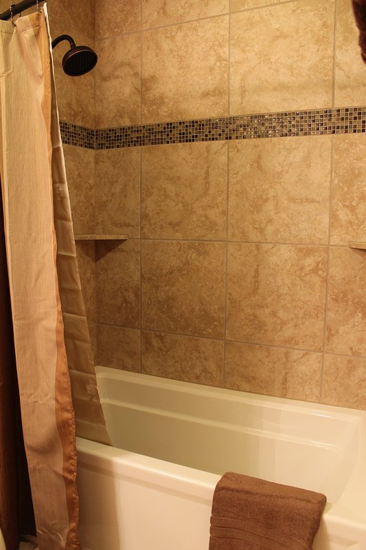 GUEST BATHROOM UP-STAIRS