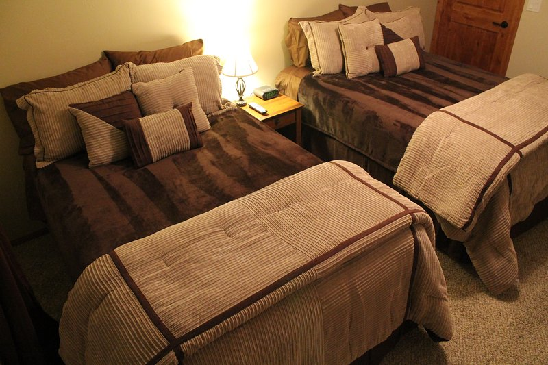 BEDROOM #3   2 FULL SIZE BEDS