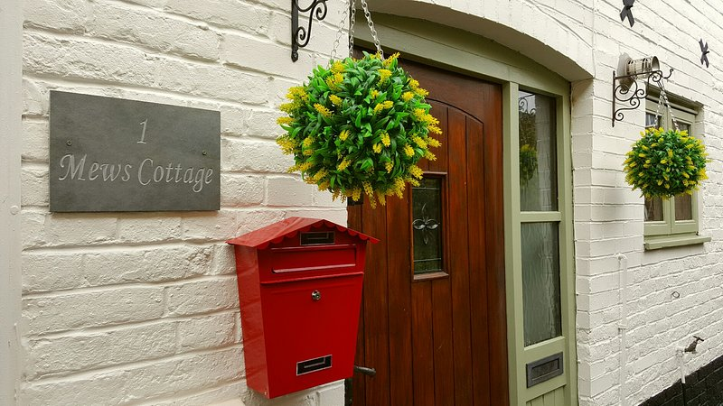 Entrance to 1 Mews Cottage