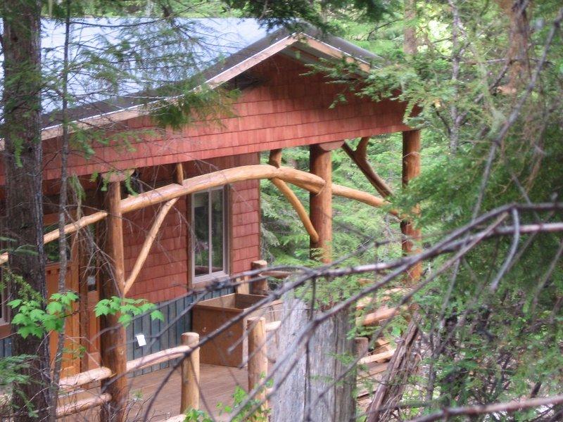 Kootenay Huts, Organic Full Comfort Forest, vacation rental in Castlegar